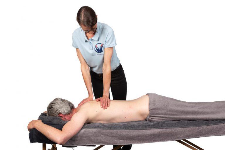 Eva Dekker Looman masseert rugspieren