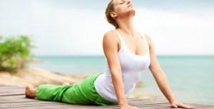 yoga de cobra rugoefening